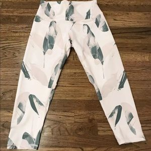 DYI Define Your Inspiration Crop Leggings Feathers